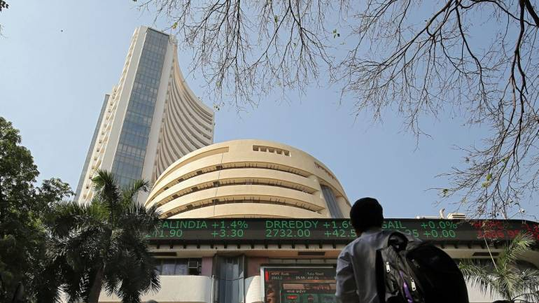 Today News: D-Street Buzz Bank Nifty hits 30,000 led by Yes Bank, RBL Bank; Reliance Comm up 8%