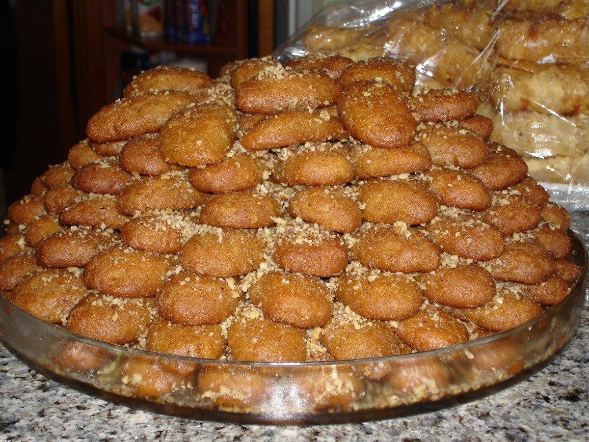 this is why in greece agios vasilis brings presents on new years eve and not on christmas as it happens elsewhere in the world - Greek Christmas Traditions