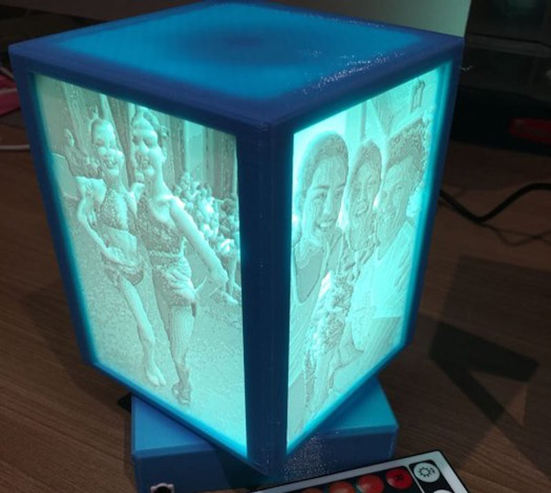 Rotating 3d Printed Lithophane Display Mechanism Is