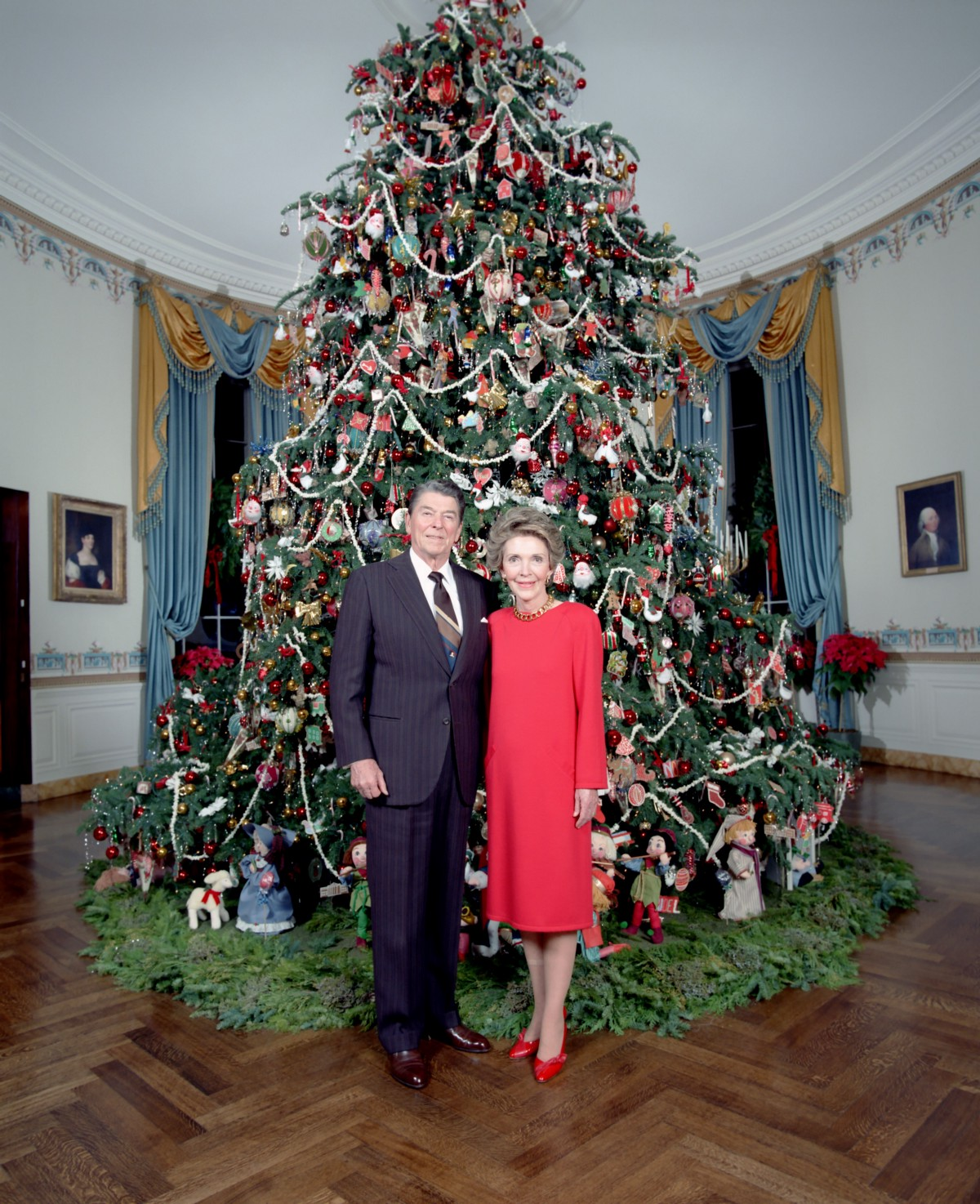 in 1981 during his first christmas at the white house president reagans christmas message to the american people shared his and mrs reagans desire to - American Christmas