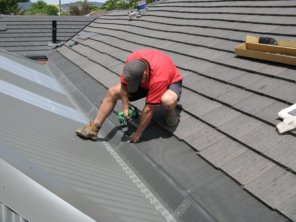 Locally owned seamless gutter installation company in