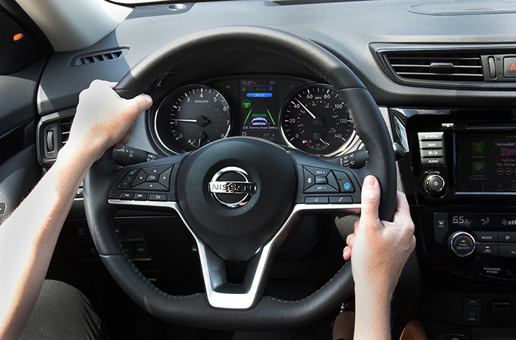 2018 Nissan Steering Wheel With Propilot Ist On Image Canada