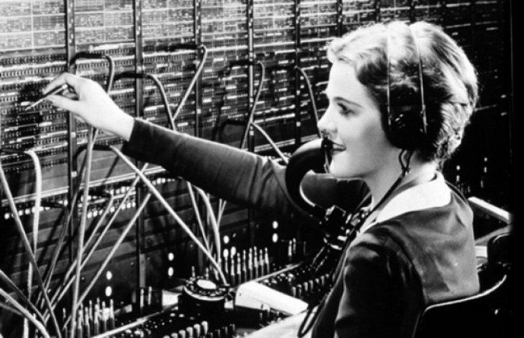 imagine react router as your switchboard operator freecodecamp org