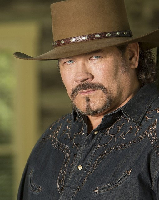 nashville star buddy jewell defiantly promises traditional country