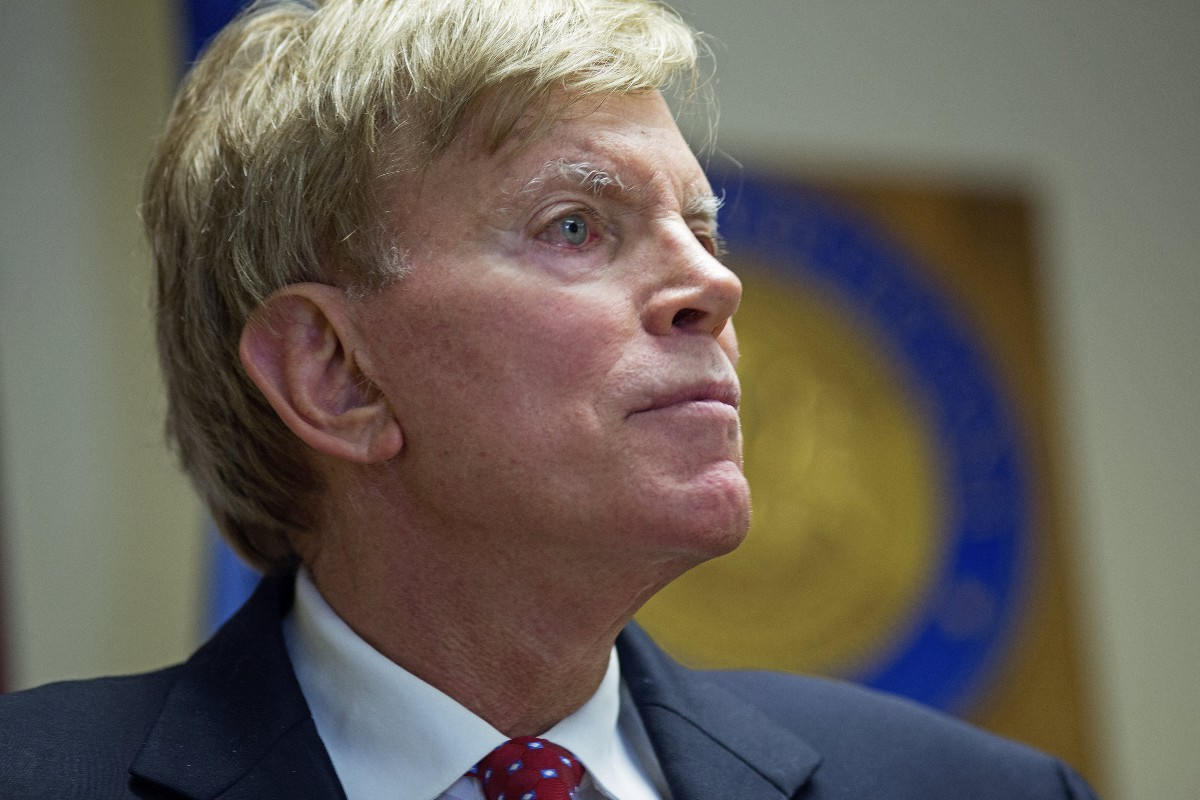 Trump campaign disavows robocall by David Duke