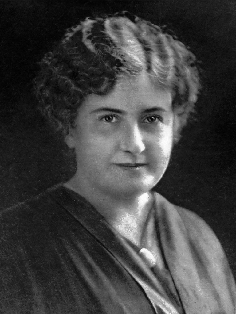 maria montessori short biography