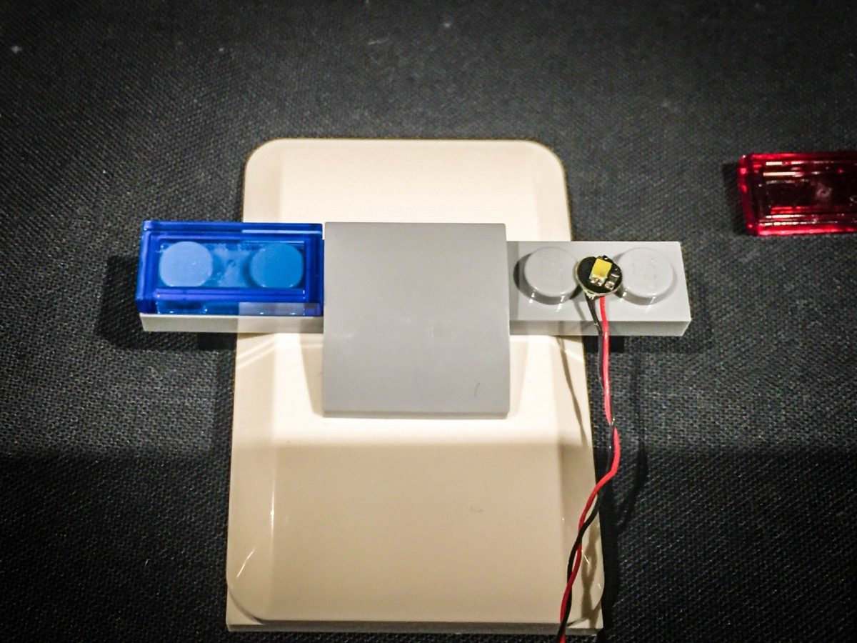Light My Bricks Kwik E Mart Led Lighting Kit Billboard Wiring Then Reconnect The Long White Tiles On Each Side Ensuring Cables Are Pulled Down In Between