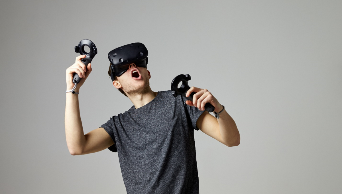 Why Blockchain and VR Might Be a Match Made in Digital Heaven