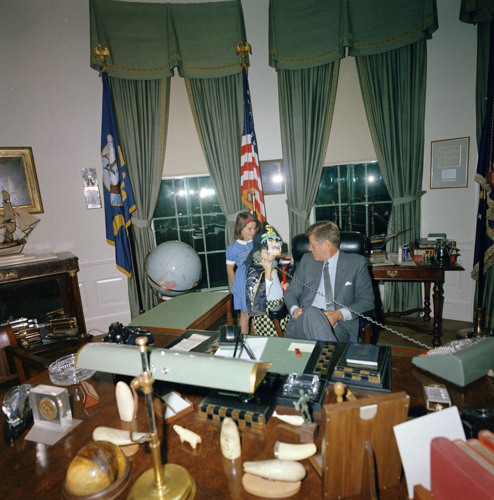 kennedy oval office. Halloween Visitors With The President. President Kennedy, John F. Kennedy  Jr., Caroline Kennedy. White House, Oval Office. Kennedy Oval Office S