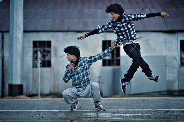 les twins dating