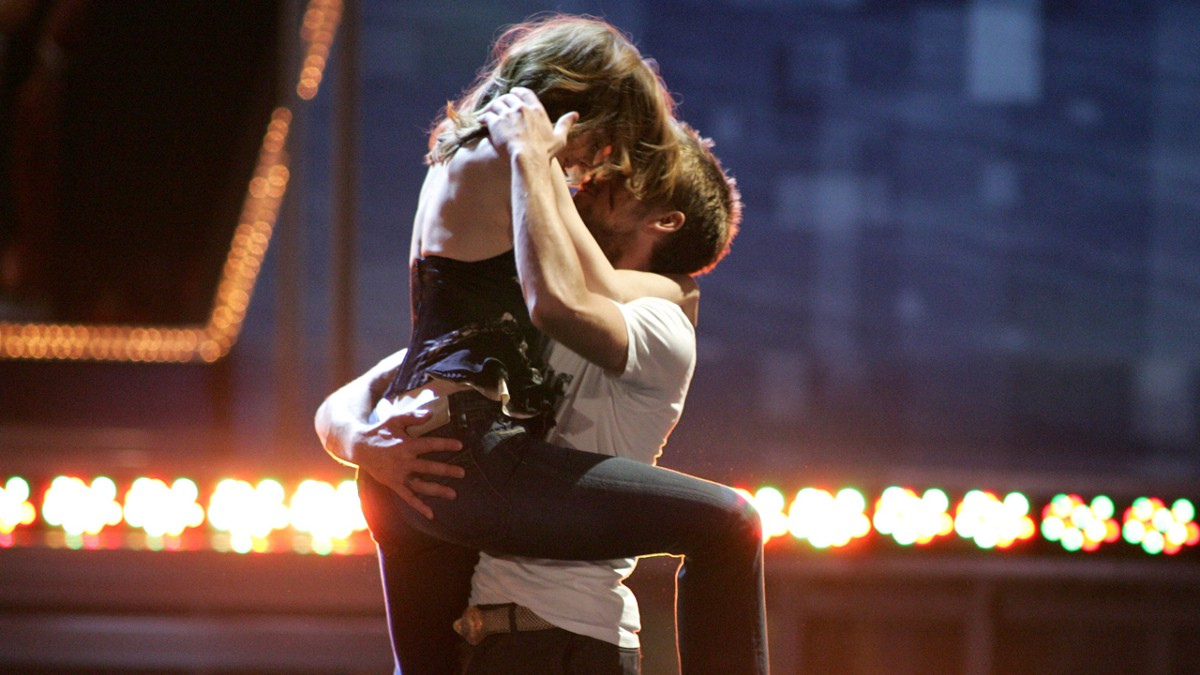 5 most memorable best kiss moments from the mtv movie awards