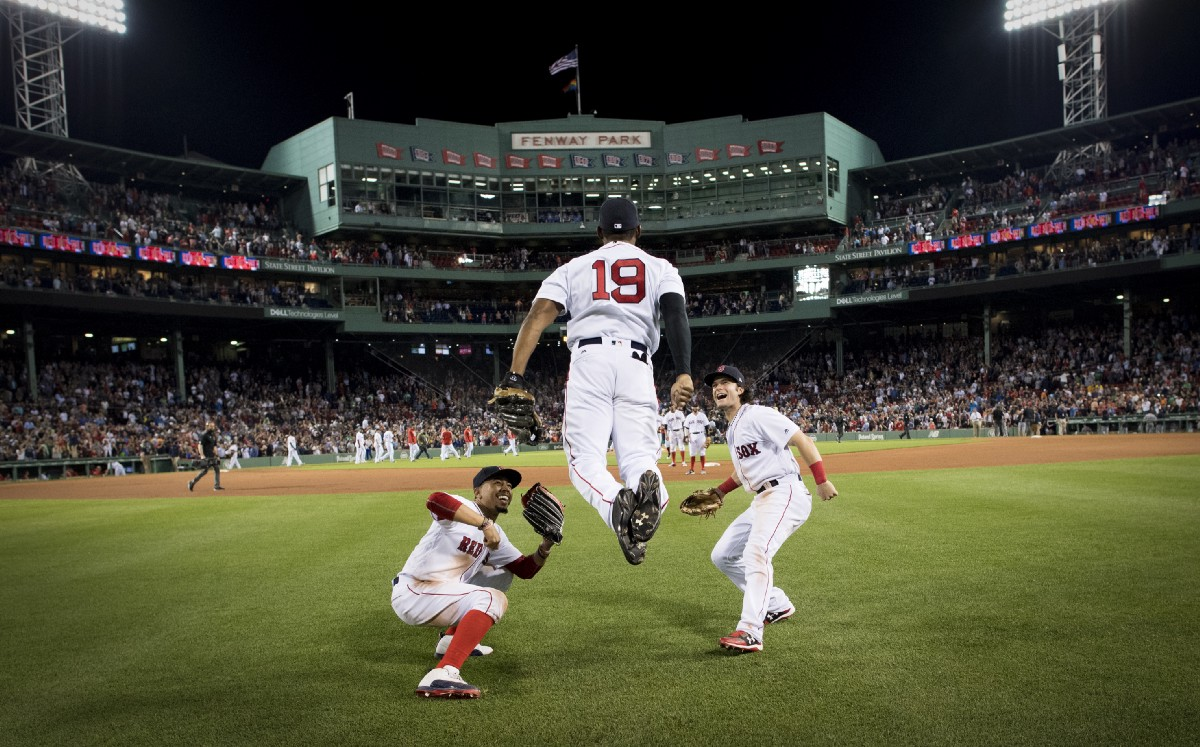 Jbj S 8th Inning Home Run Leads Sox Past Detroit In First