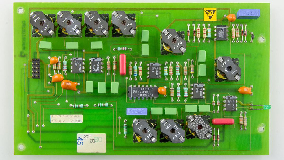 How Does Printed Circuit Board Operates Standard Pcb Medium Boards