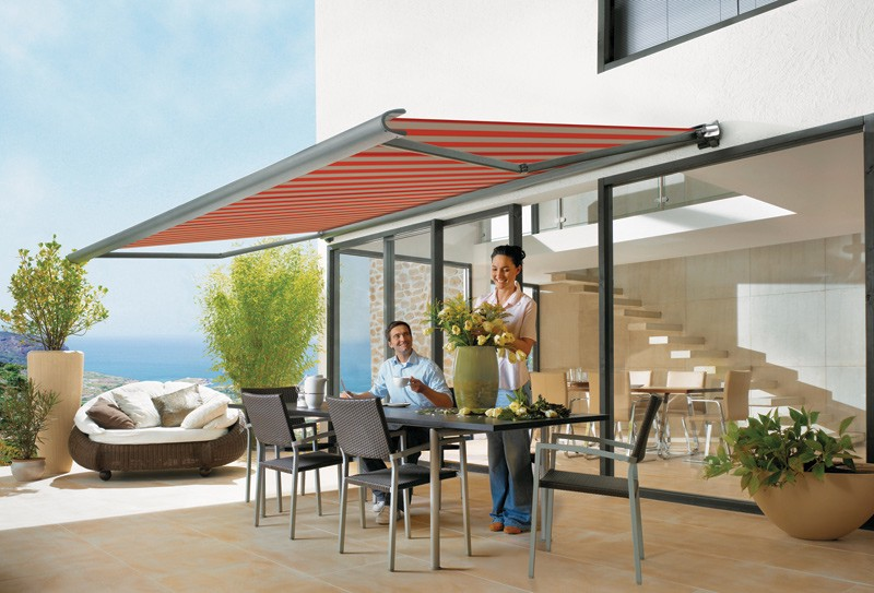 A Simple Guide To Use Retractable Awnings Saddlesinc Medium