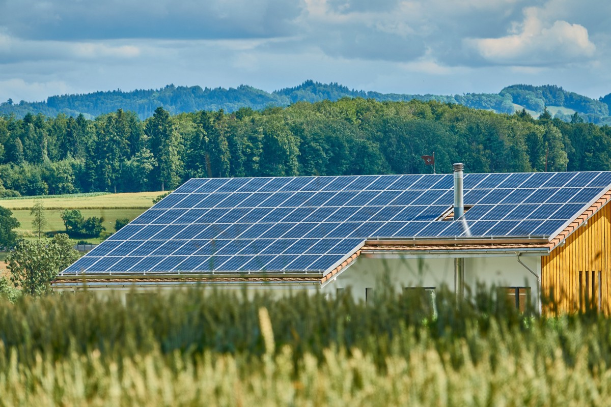 solar energy is a renewable energy Duke energy renewables develops innovative wind and solar energy solutions, helping utilities, electric cooperatives and municipalities deliver clean energy.