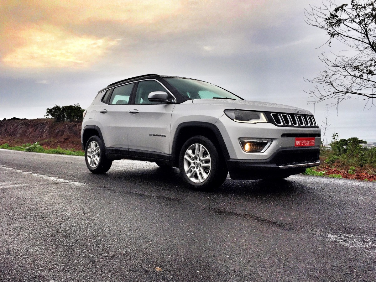 first drive 2017 jeep compass limited 2 0 diesel motovore. Black Bedroom Furniture Sets. Home Design Ideas