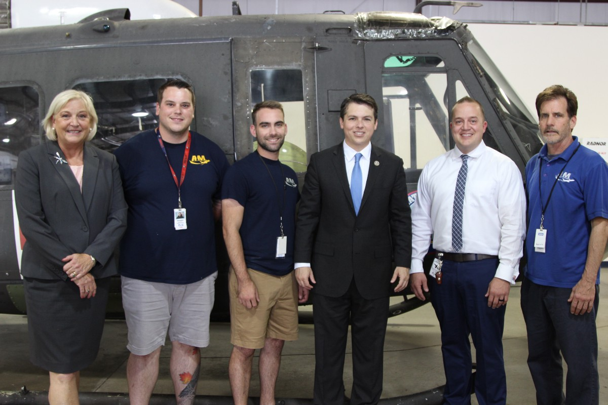 Boyle Visits Ne Airport Aviation Institute Of Maintenance