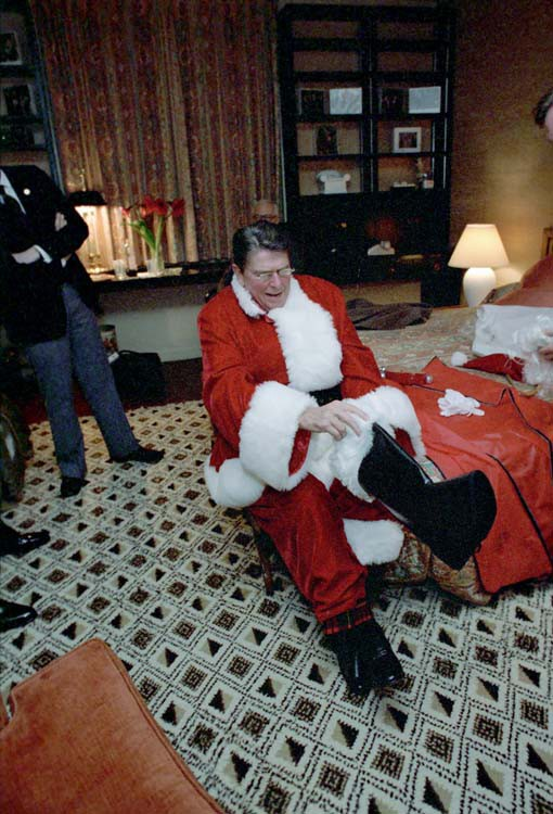 5 New Books About Ronald Reagan That Are Better Holiday Gifts Than