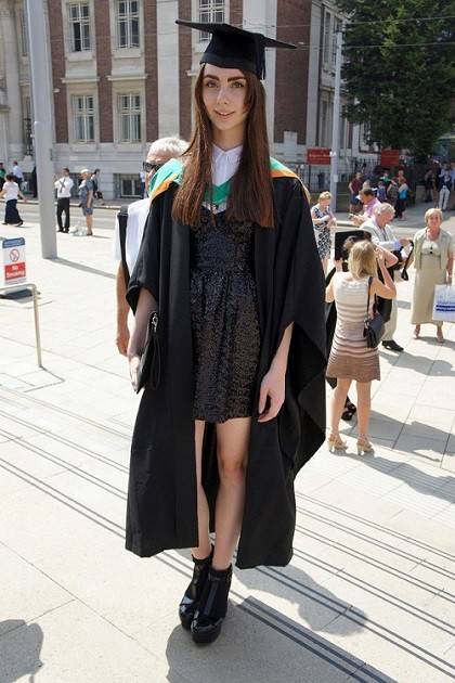 d77381bec59 Graduation Ceremony Fashion Tips  5 Simple Rules to Look Good in the ...