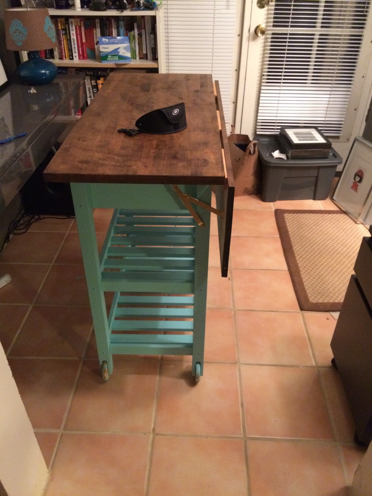 The Kitchen Island/ Break Fast Bar Is Ready To Use!