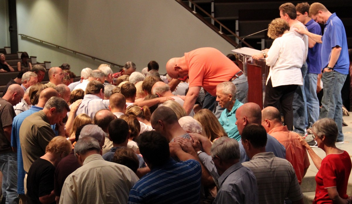 Evangelicals Aren T Just Praying For Trump They Re border=