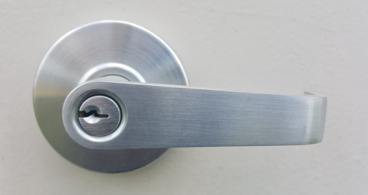 Should You Have Your Office Locks Rekeyed? – Pioneer Security ...