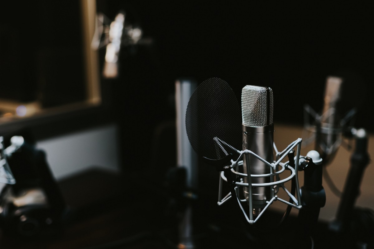 Top 7 Podcasts Any UX designer should listen to