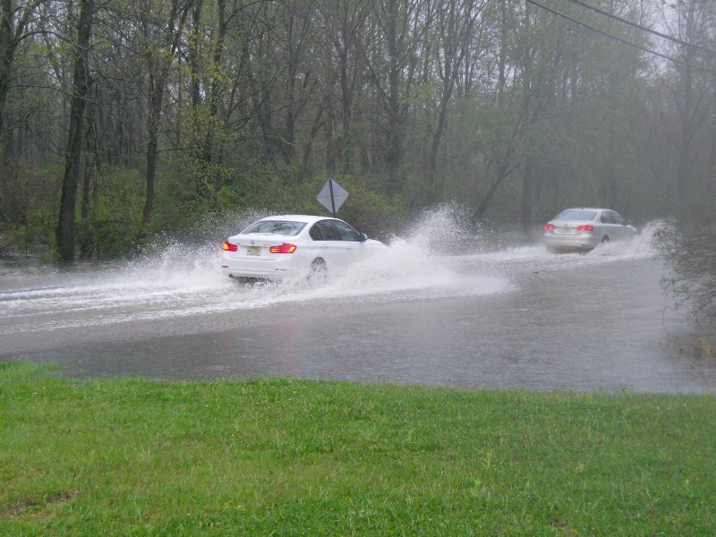 areal flood watch issued for medford with heavy rain falling in the