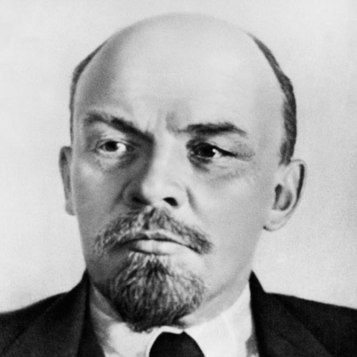 vladimir lenin biography essay Vladimir ilich lenin encyclopædia britannica, inc if the bolshevik revolution is—as some people have called it—the most significant political event of the 20th century, then lenin must for good or ill be regarded as the century's most significant political leader.