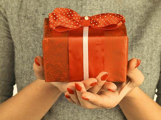 3497539c39717 IndiaGift offers best-personalized gift items for Valentine s Day