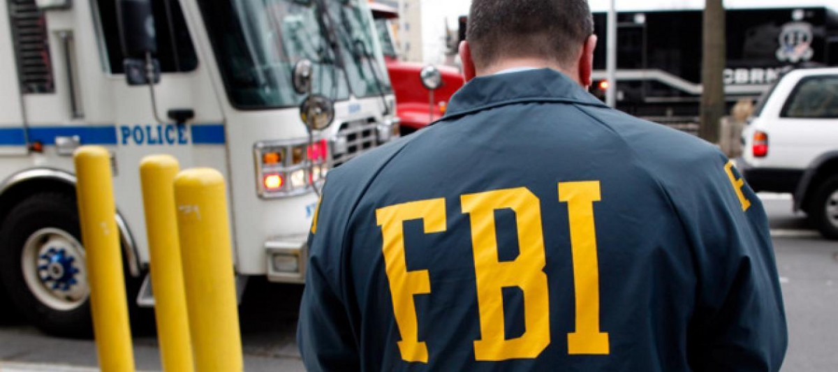 How To Negotiate Well Use FBI Strategy - Magazine cover