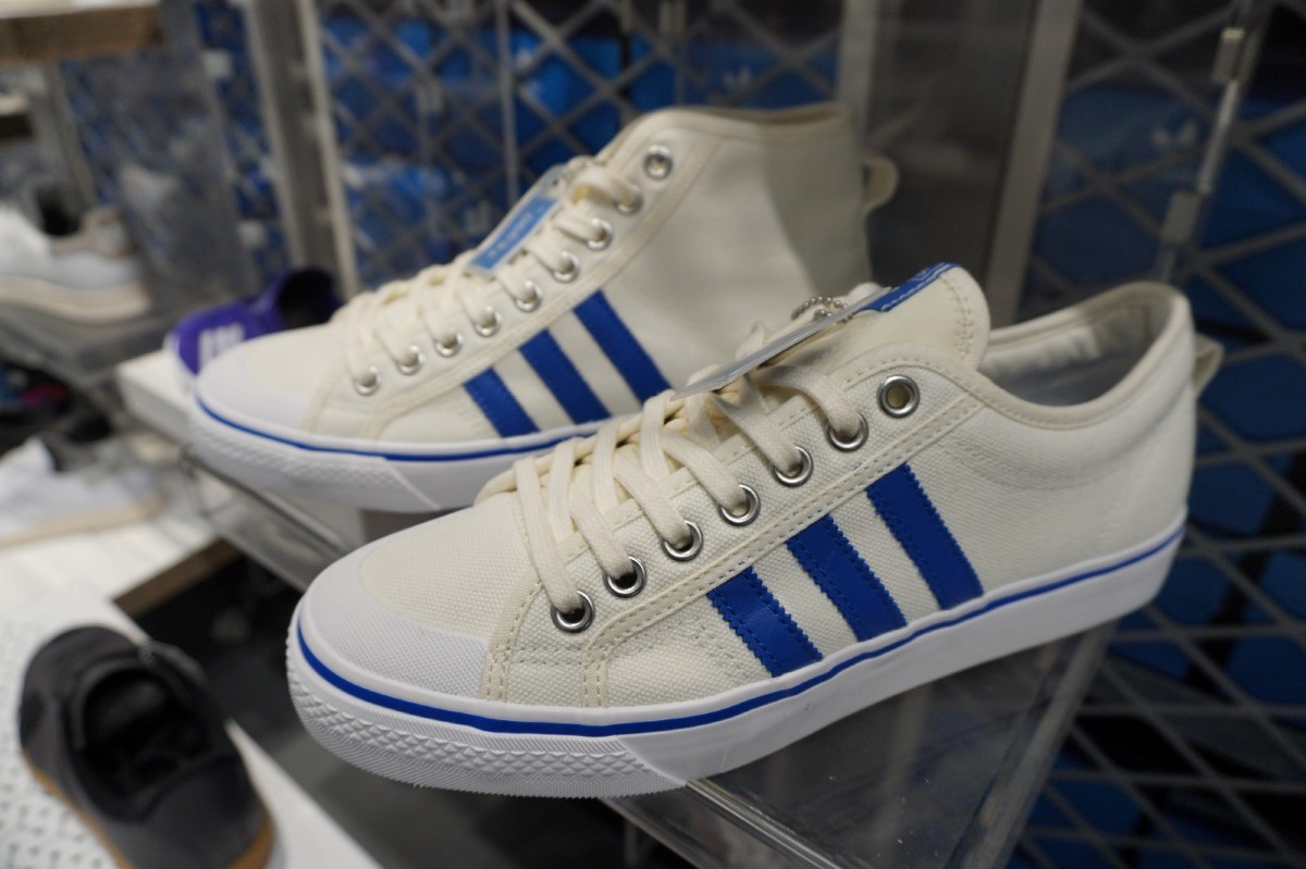 Additionally, the form and design are also loved, so numerous people wear  adidas on a daily basis. 7de9b85082