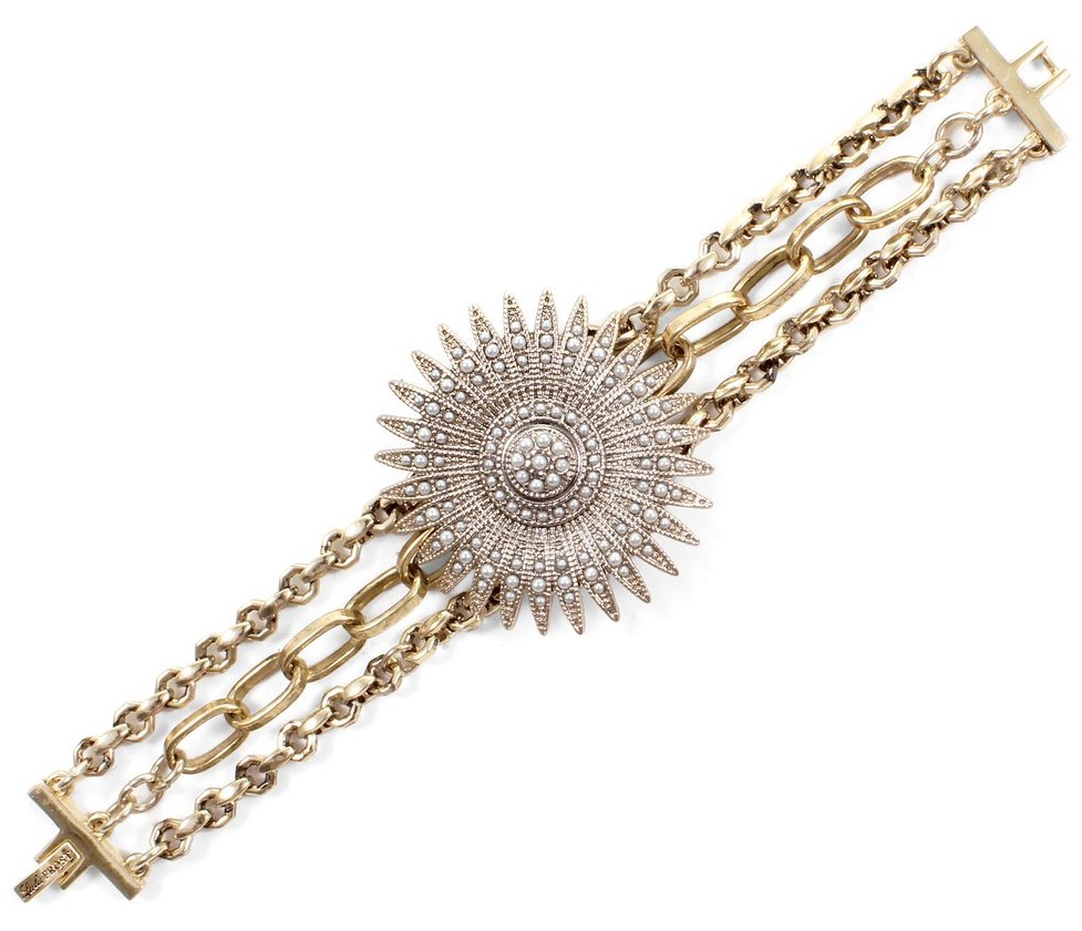 Tulia Bracelet 158 Bold Feminine And Chunky Lulu Frost Is A Master At Making Lot Of Diffe Vibes Coexist In One Piece Jewelry
