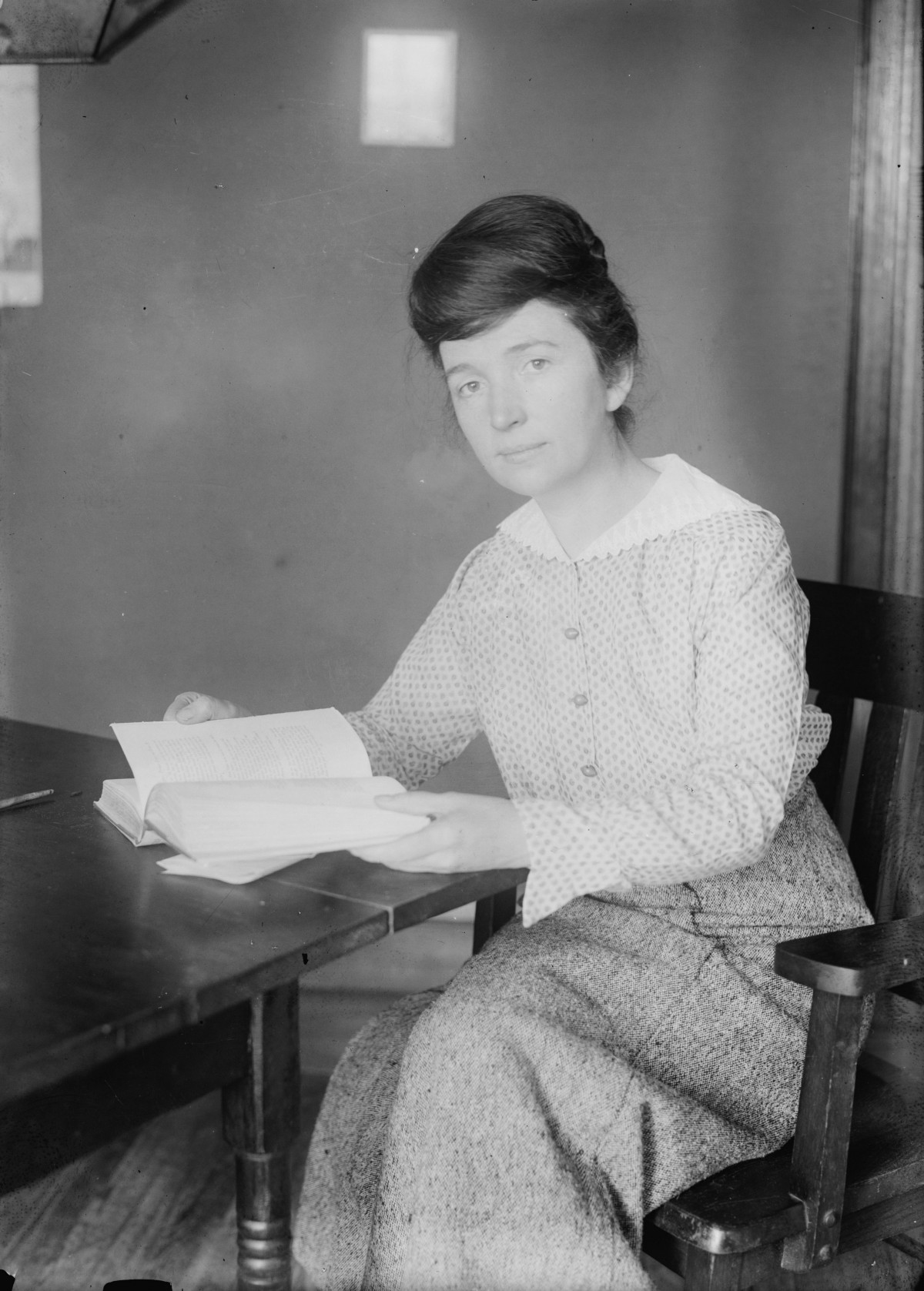 an introduction to the life of margaret sanger Woman rebel: the margaret sanger story, a biography of the birth-control activist who defied the comstock laws in the first half of the 20th century, is an unlikely but inspired pairing of author and subject.
