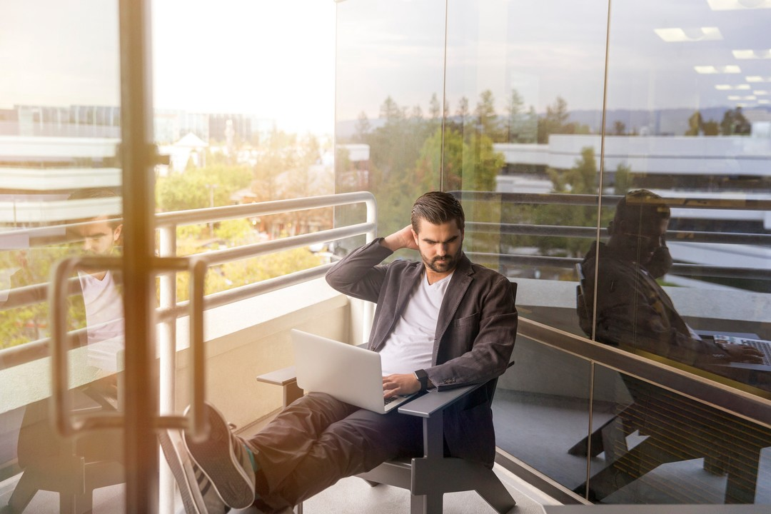 6 Things You Should Never Do at Work