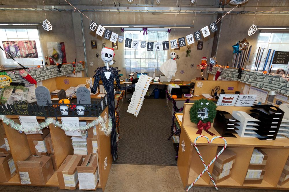 Diy office decorations The Grinch Creating Your Own Office Decorations For Halloween Is Not Difficult You Just Need To Be Creative Resourceful And Innovative Medium Diy Halloween Decorations In The Office Edizine Medium