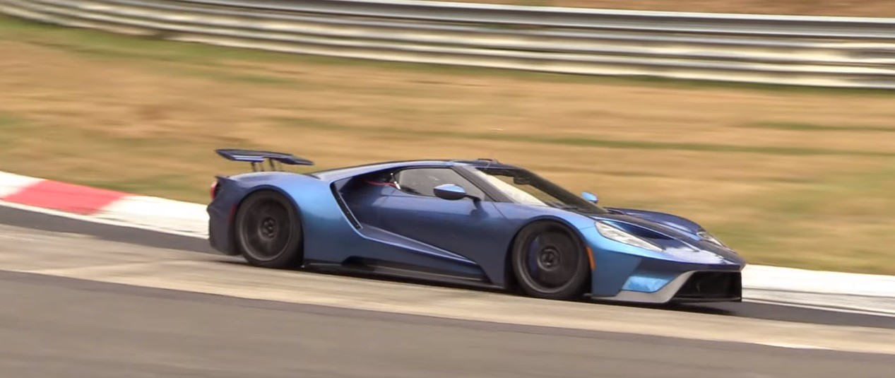 The Ford Gt Being Pushed Hard Around The Ring