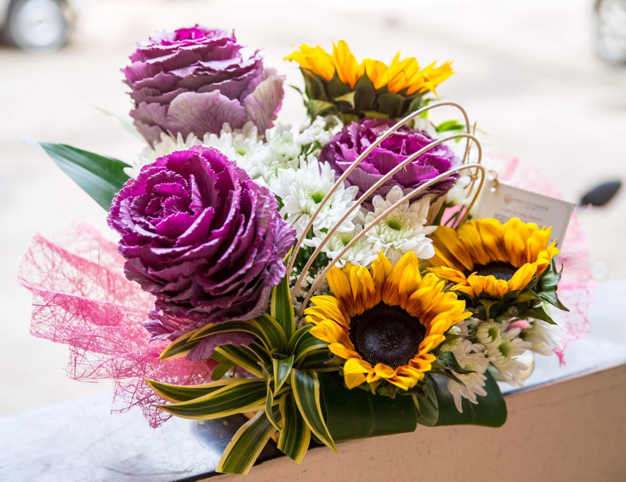 How online flower delivery in mumbai has increased popularity of online flower delivery in mumbai guarantees customers a strict quality controlled delivery of flowers that are fresh and fragrant and are perfect for izmirmasajfo