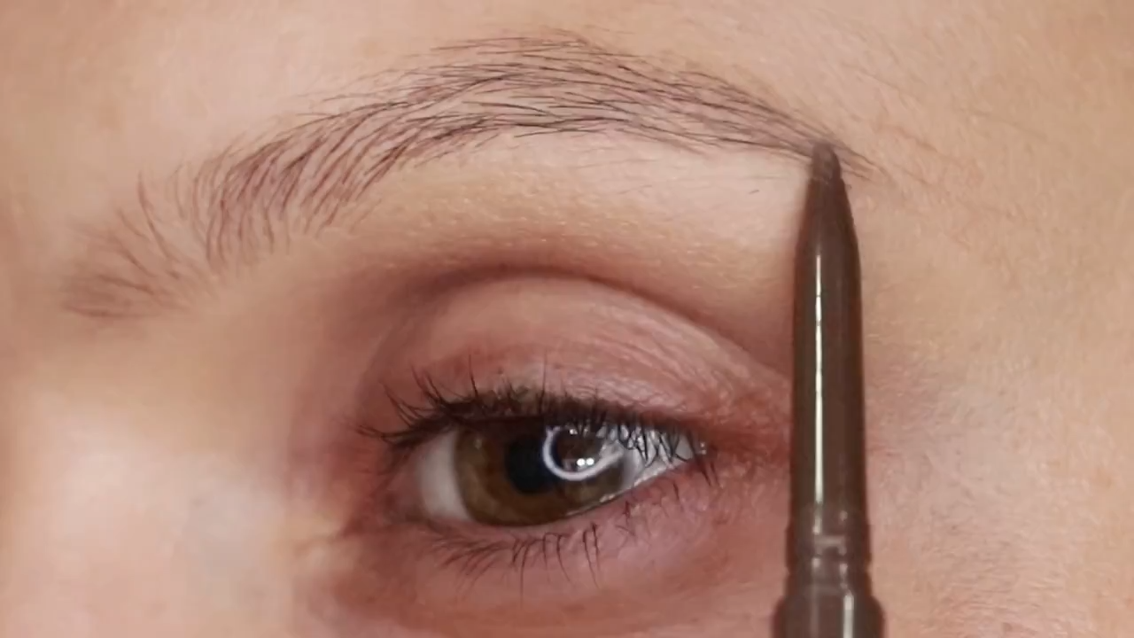 Beauty 101 How To Fill In Your Brows Thread By Zalora Philippines