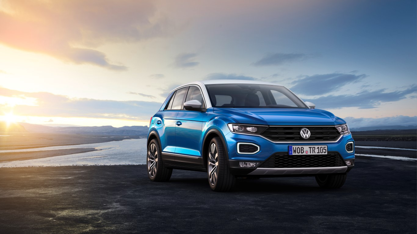 volkswagen cars the truth touareg about rear review