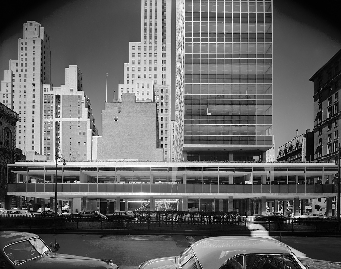 Lever House. Photo © Ezra Stoller | Esto