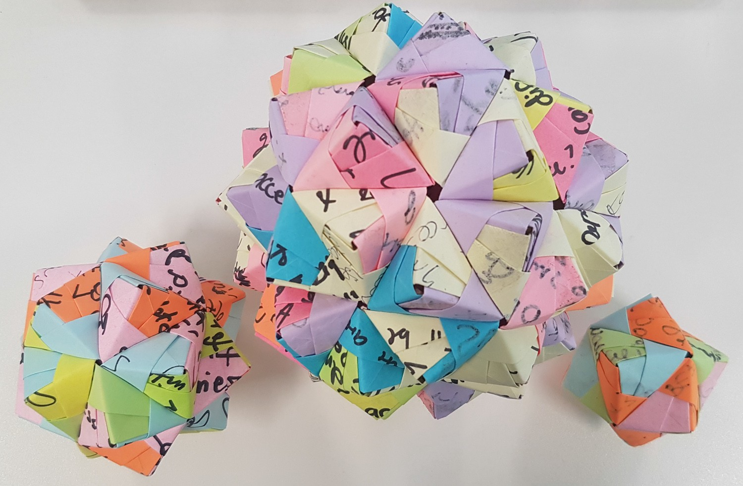 How To Turn Your Old Workshop Sticky Notes Into Modular Origami
