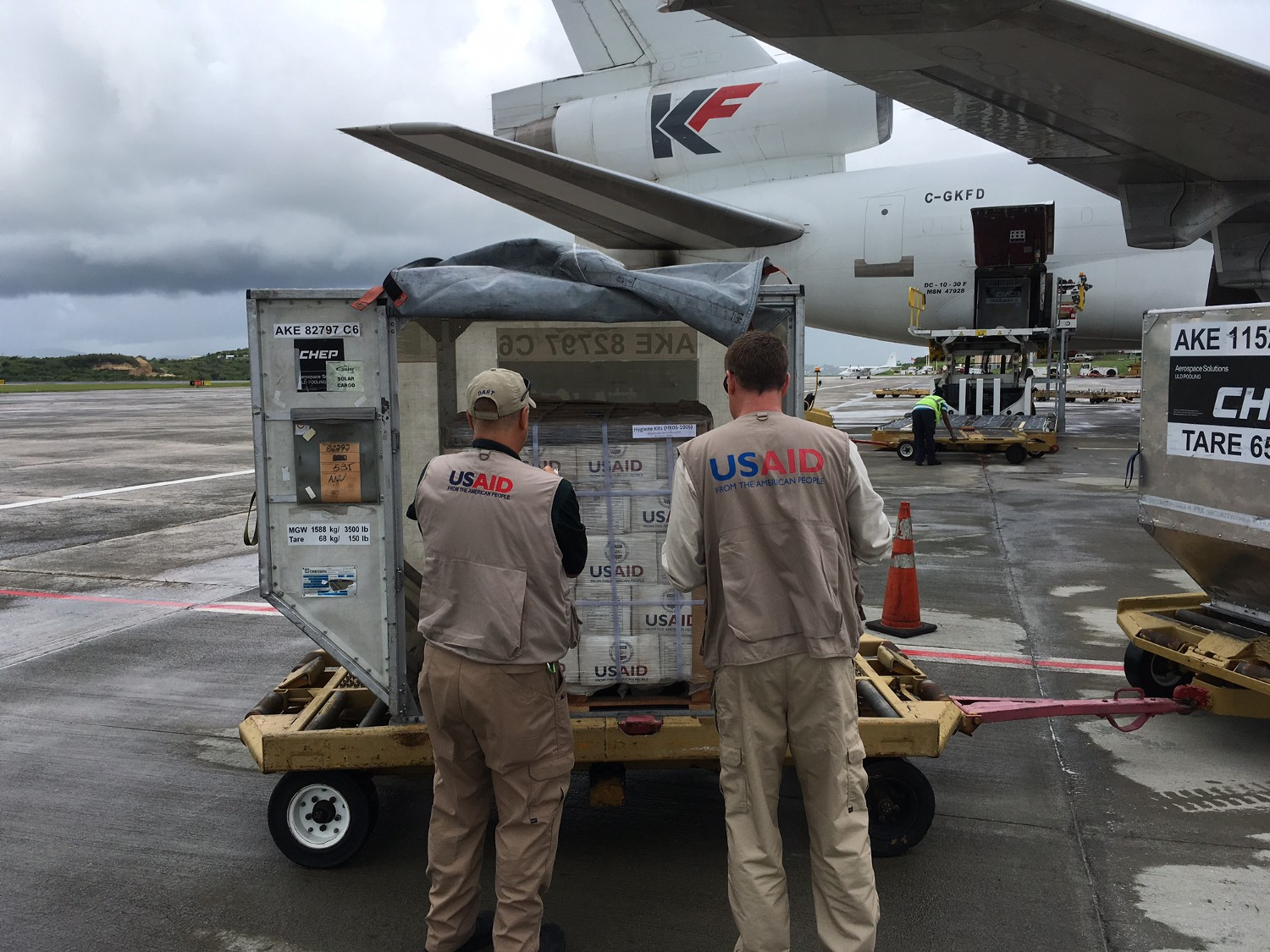 A cargo plane carrying USAID relief supplies for families affected by Hurricane Irma arrived in Antigua on September 14. Photo credit: Peter Schecter, USAID/OFDA