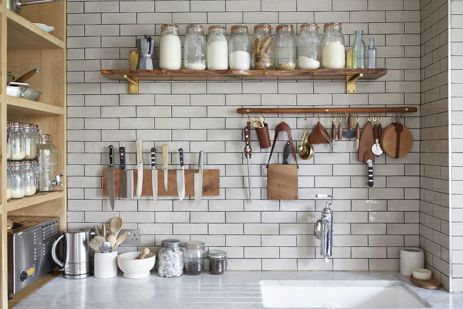7 Clever Kitchen Spring Clean Hacks U2014 So Easy, You Wish Youu0027d Done Them  Sooner