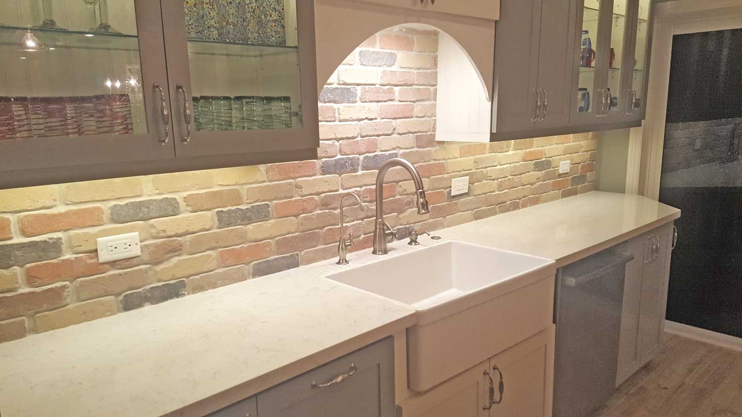 Faux brick panel back splash
