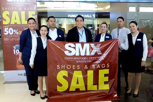 SMx Shoes and Bags SALE