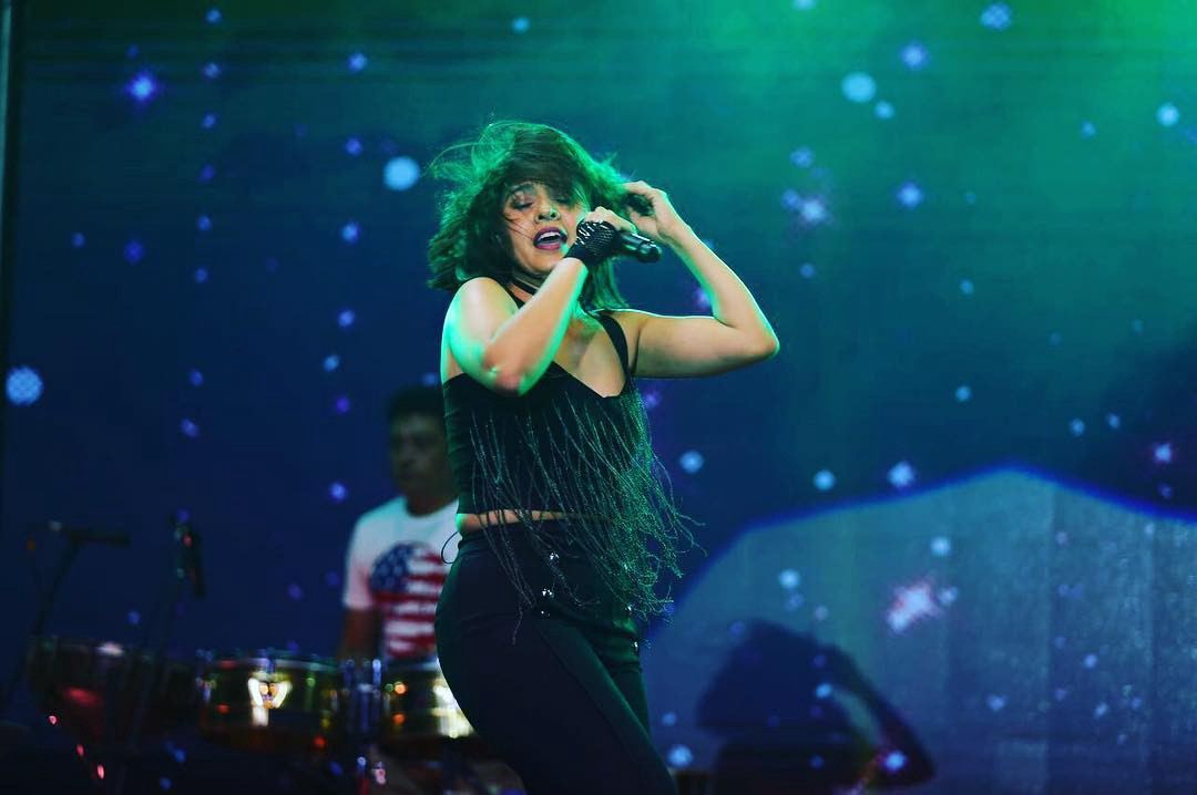 Singer Sunidhi Chauhan HD Wallpapers, HD Pics, Images