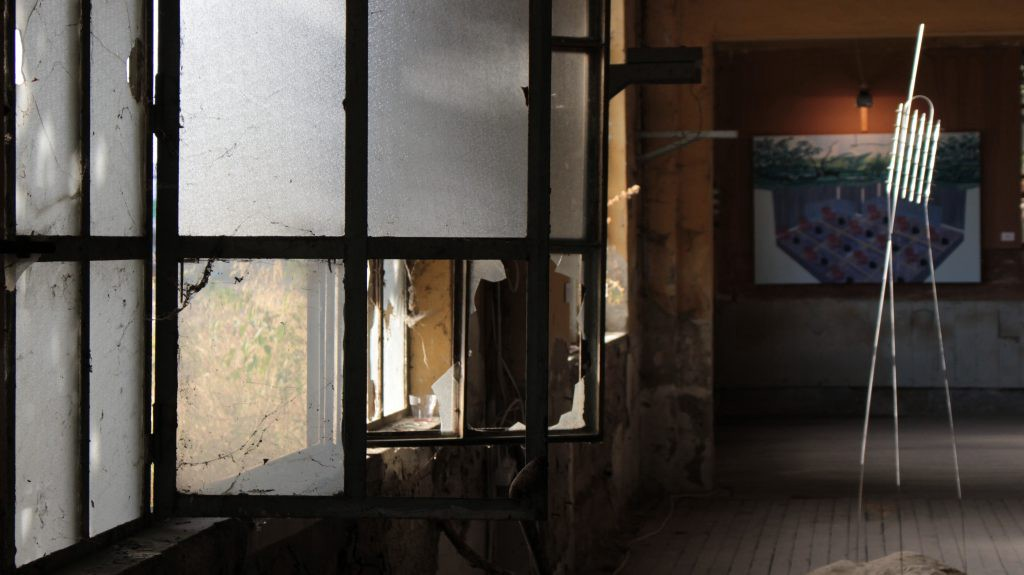 Inside of the building. The broken windows and the exhibition. Haydarpaşa, İstanbul. ©Uğur Taner