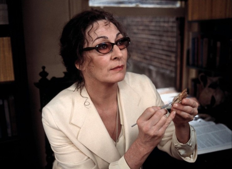 The-Royal-Tenenbaums-anjelica-huston-35220672-1200-872