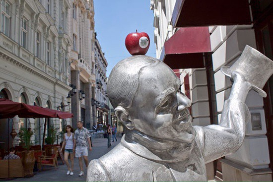 Creative Guerilla Ambient Ads From Up North - 26 creative sculptures statues around world